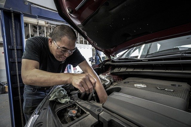 Reasons When You Should Take Your Vehicle To The Car Repair Shop