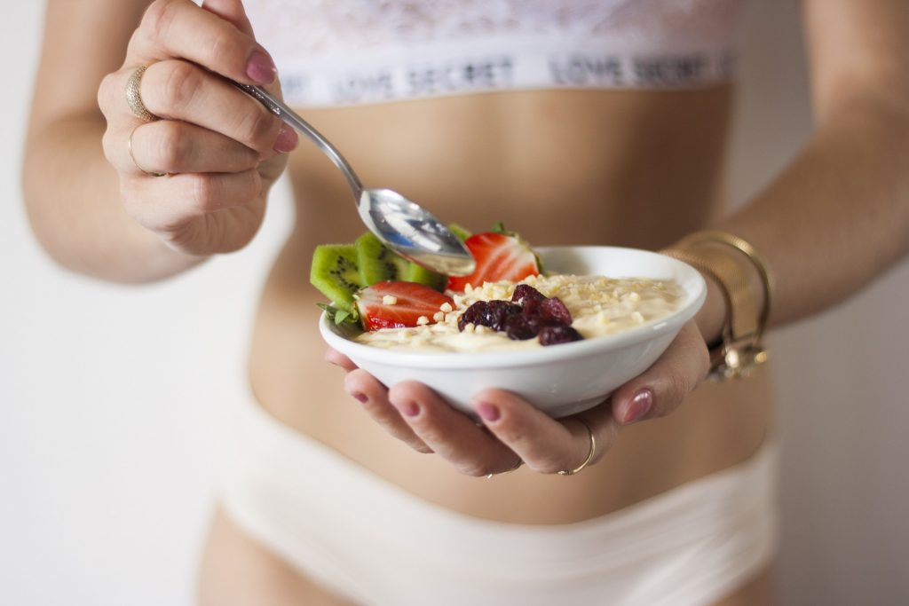 Woman practicing a healthy diet