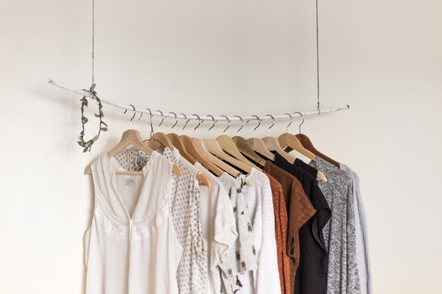 How To Create a Capsule Wardrobe on a Budget